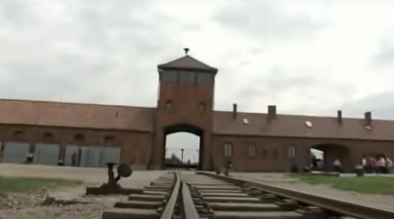 Muzeum ofiar nazistów w Auschwitz poinformowało, że odkryło niesamowite znalezisko w bucikach dzieci ofiar, pokazali to w serwisie Facebook.