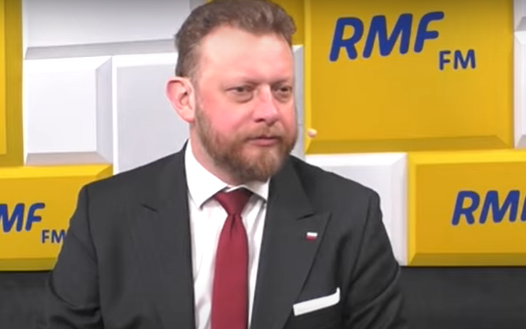 W jednym z ostatnich wywiadów minister zdrowia Łukasz Szumowski ostrzega przed lekceważeniem obostrzeń i zapowiada powrót do obowiązku noszenia maseczek.