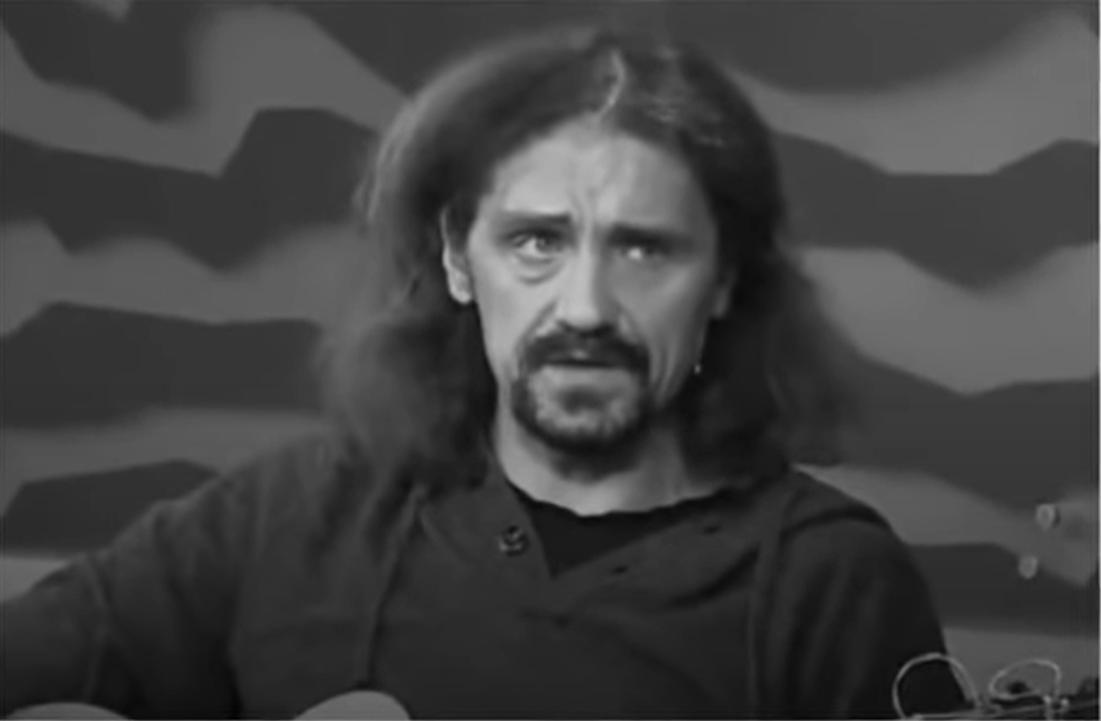 Gienek Loska zmarł 9 września, jego śmierć wstrząsnęła fanami, o ostatnich chwilach muzyka opowiedziała jego ukochana Agnieszka Sawicka.