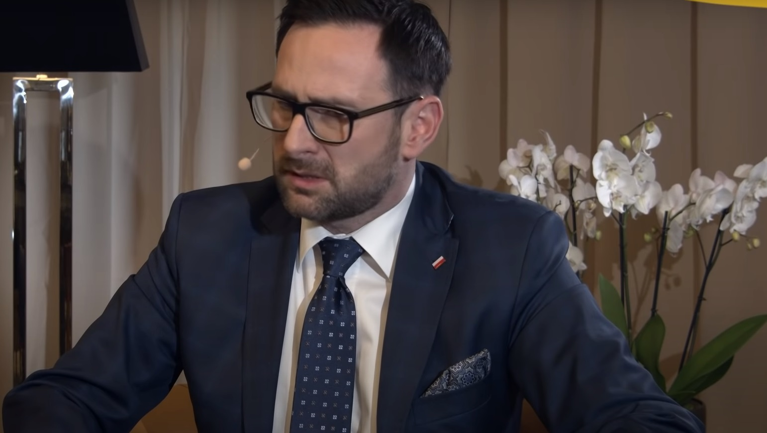 Przejęcie Polska Press przez Orlen zostało wstrzymane, Adam Bodnar wysunął szereg zarzutów i decyzją sądu transakcja została zawieszona.