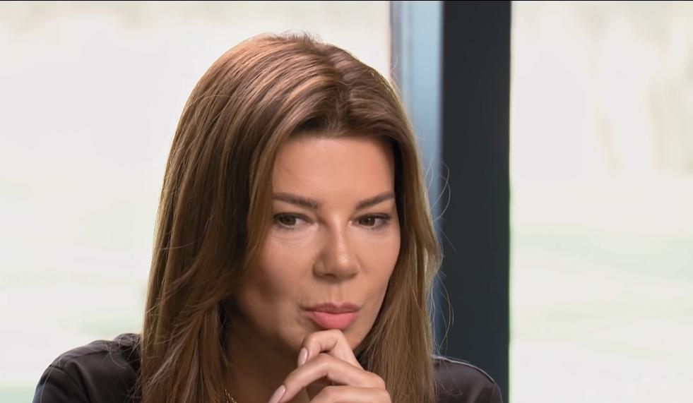 """Edyta Górniak obwieściła że odtąd swoją wiedzą dzielić się będzie na kanale YouTube, który nazwała """"Akademia Przebudzenia""""."""