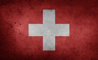 Ze Szwajcarii płyną fatalne wieści, potwierdzono tam bowiem po raz pierwszy indyjski wariant koronawirusa. Rozprzestrzenia się szybko