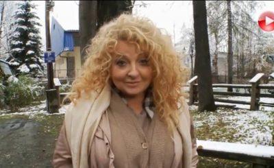 """Magda Gessler, charyzmatyczna prowadząca """"Kuchenne Rewolucje"""" w TVN wrzuciła na Instagram swoje intymne zdjęcie, podobnie zrobiła jej córka"""