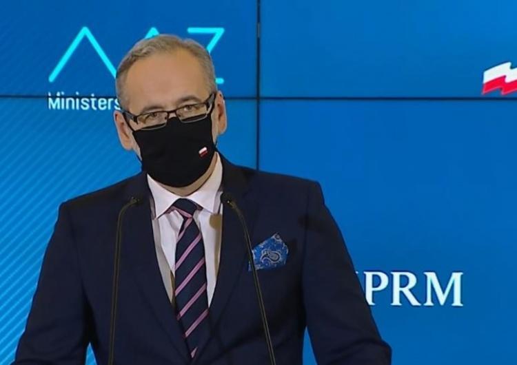 """Adam Niedzielski był gościem w programie """"Między Faktami"""" Arlety Zalewskiej i Krzysztofa Skórzyńskiego z TVN24. Jego wypowiedzi zaniepokoiły"""