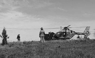 Koszmar pod Wadowicami, 15-latek oblał się benzyną i podpalił. W akcji ratunkowej brały udział tamtejsze służby, chłopaka zabrał helikopter.