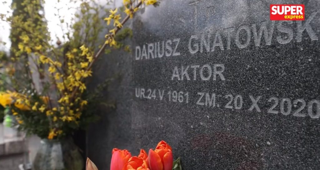 Jak dziś wygląda grób Dariusz Gnatowskiego, aktora serialu Świat według Kiepskich??