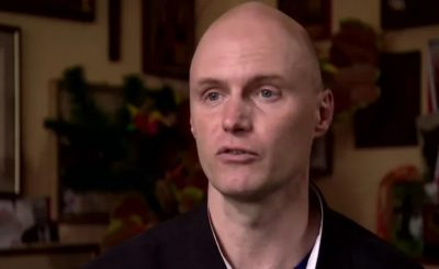 Prawniczka ujawniła na jaki spadek może liczyć syn Krzysztofa Krawczyka. Krzysztof Igor Krawczyk walczy w sądzie z wdową po wokaliście