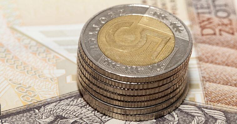 Ta moneta 5zł warta jest około 100 tysięcy. Została okrzyknięta najrzadszym pieniądzem obiegowym II RP. Jest bardzo pożądana