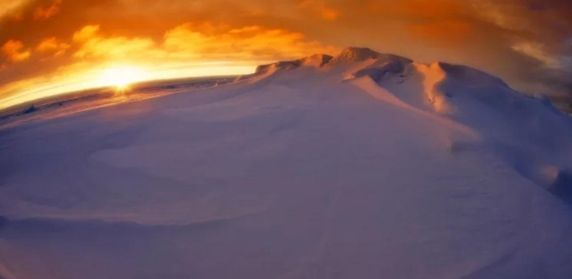 Antarktyda: Anomalie jakie mają miejsce na tym kontynencie od lat 70-tych zastanawiają naukowców, pojawił się otwór wielkości całego państwa.