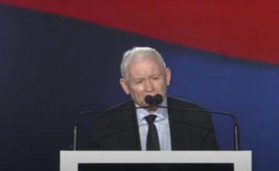 Jarosław Kaczyński brał udział w spotkaniu Republikanów, wygłosił przemówienie, jednak wszyscy zwrócili uwagę na to co miał na sobie