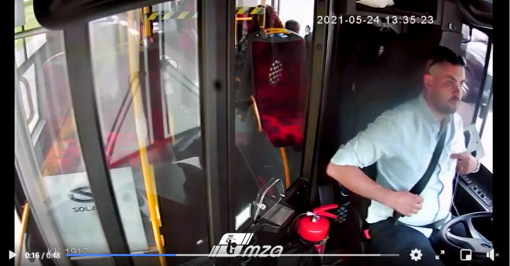 Dobrze, że są jeszcze tacy ludzie na świecie jak Pan Piotr, kierowca autobusu i bohater który postanowił zareagować gdy inni odwracali wzrok.
