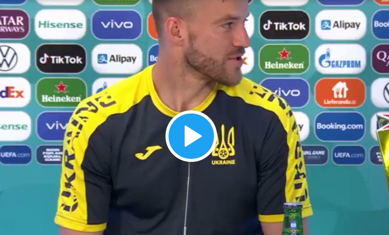 Piłkarz reprezentacji Ukrainy, Andrij Jarmolenko postanowił również wziąć udział w tym show i podczas konferencji i zażartował