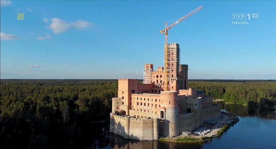 Jeżeli pozwolenie na budowę zostanie cofnięte zamek w Stobnicy budowany na terenie Puszczy Noteckiej pójdzie do rozbiórki.